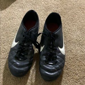 Soccer/softball cleats